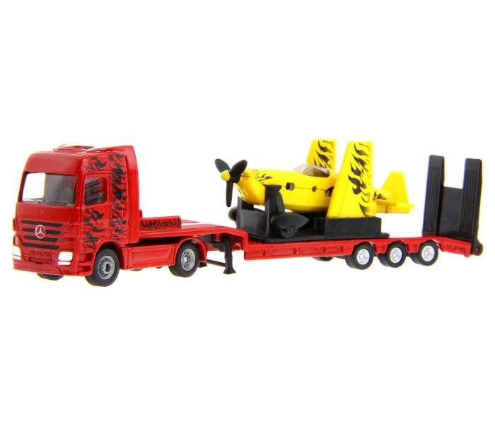 Kamion sa sportskim avionom