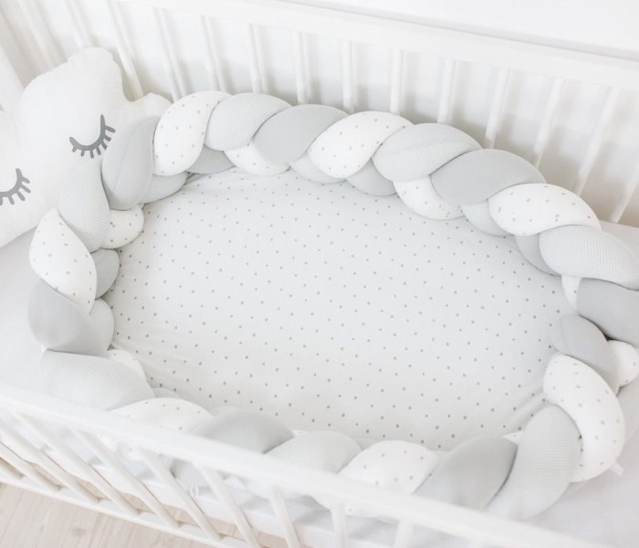 Buba gnijezdo za bebu sivo