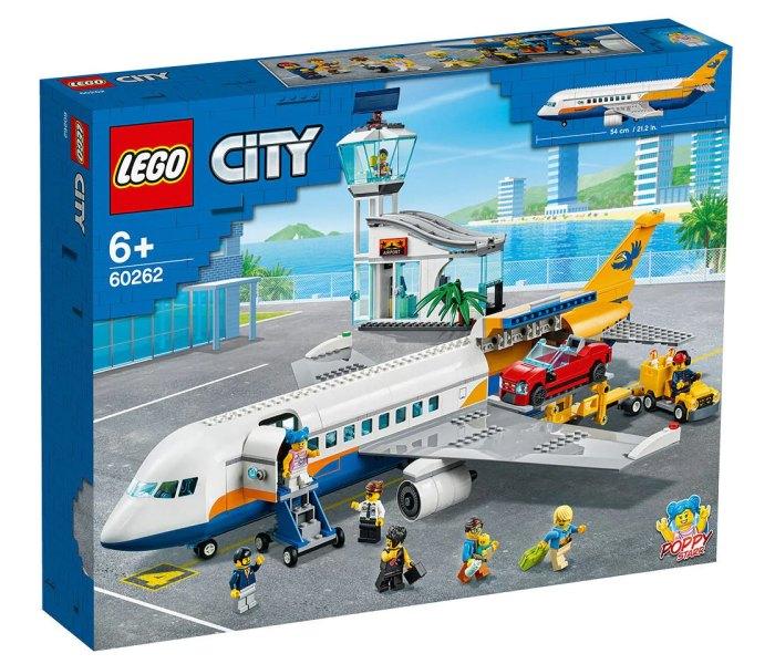 Lego kocke passenger airplane